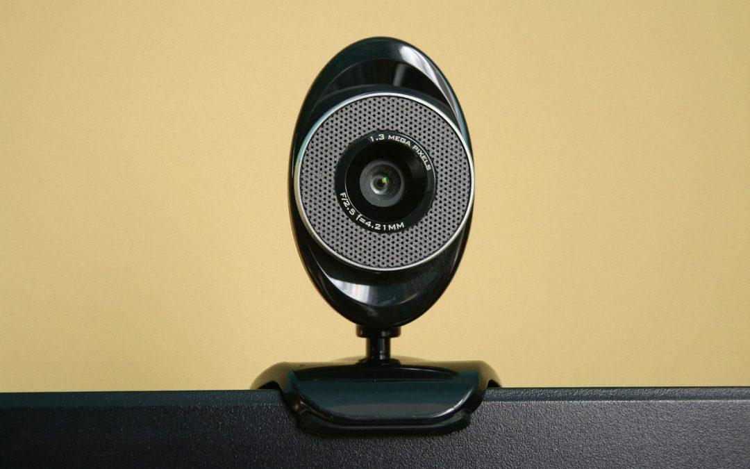 Vključene ali izključene kamere med poukom na daljavo.